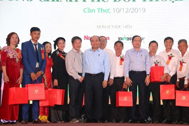 Thủ tướng, Chủ tịch UBTƯ MTTQ Việt Nam cùng đối thoại với nông dân - 4