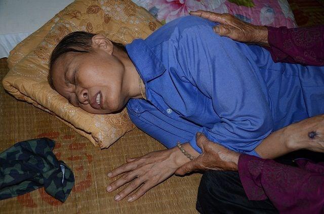 Cụ bà tuổi 90 'thèm' một bữa cơm có thịt trước khi nhắm mắt, nghe mà nhói lòng! - 1