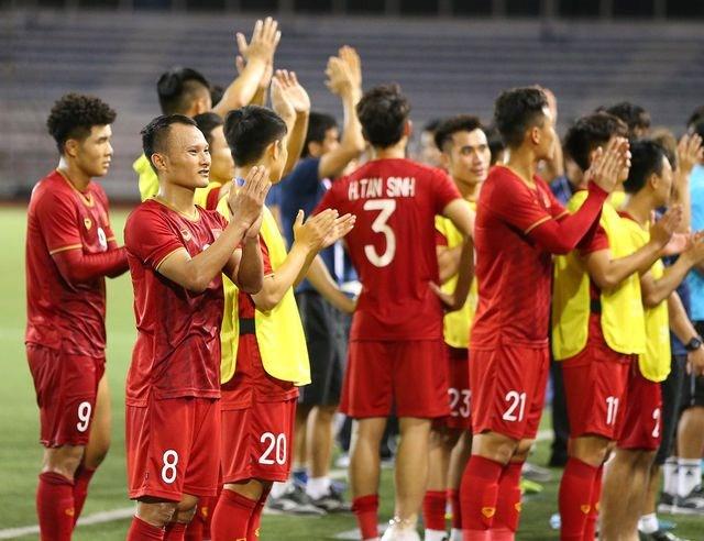 Cầu thủ U22 Việt Nam tri ân cổ động viên, thầy Park ra lệnh đặc biệt - 5