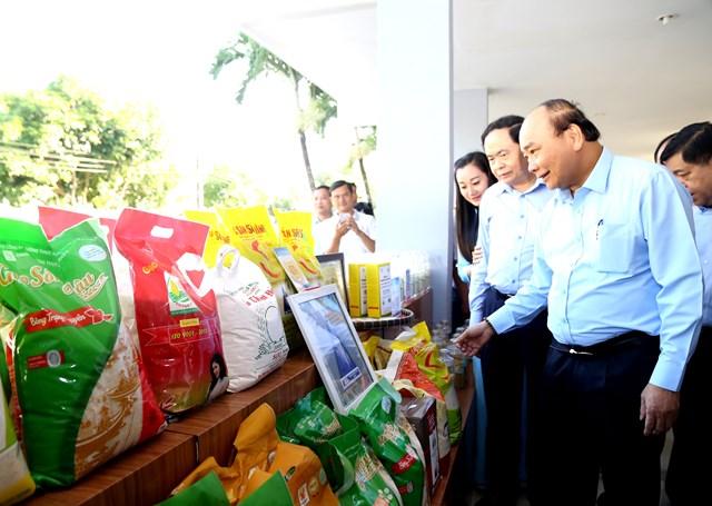 Thủ tướng, Chủ tịch UBTƯ MTTQ Việt Nam cùng đối thoại với nông dân - 5