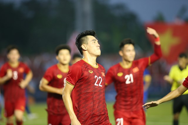 U22 Việt Nam 2-2 U22 Thái Lan: Vào bán kết bằng tinh thần bất khuất - 1