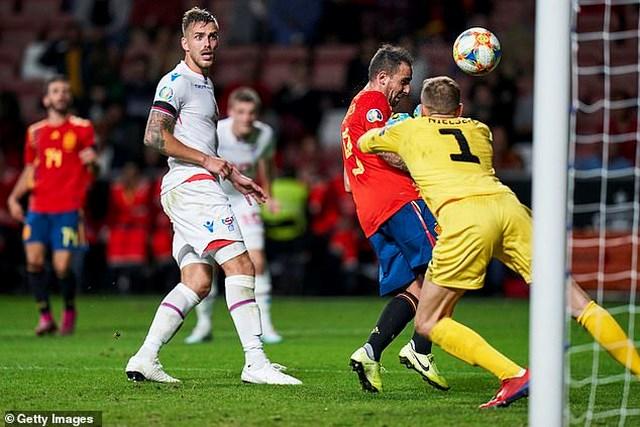 Rodrigo và Alcacer lập cú đúp, Tây Ban Nha toàn thắng cả 6 trận - 1