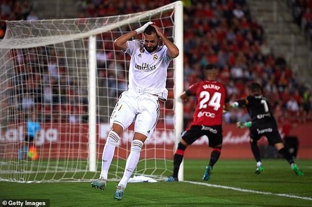 Thua Mallorca, Real Madrid mất ngôi đầu bảng vào tay Barcelona - 3