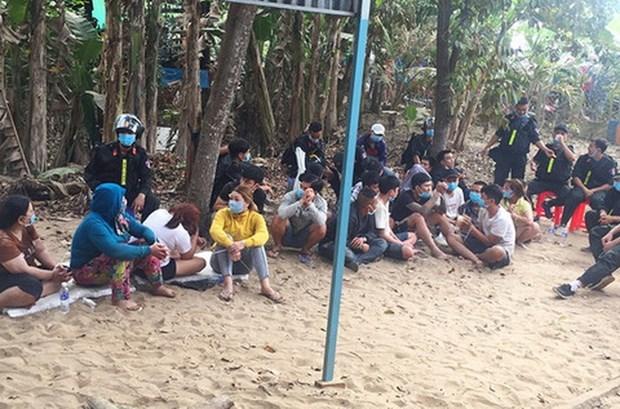 Triệt xóa 'sới bạc' lớn ở An Giang, tạm giữ hình sự 31 người liên quan
