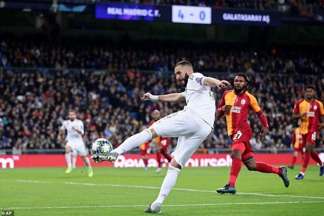 Đại thắng Galatasaray 6-0, Real Madrid cầm chắc tấm vé đi tiếp - 8