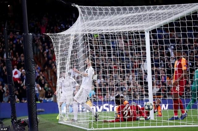 Đại thắng Galatasaray 6-0, Real Madrid cầm chắc tấm vé đi tiếp - 2