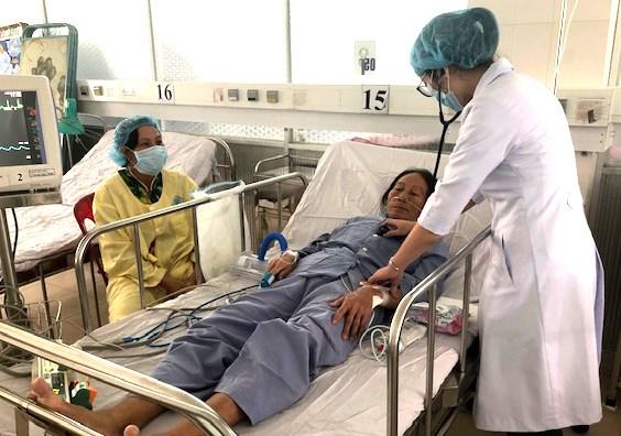 Cần Thơ: Phẫu thuật cấp cứu thành công 2 bệnh nhân bị bệnh tim nặng - 1