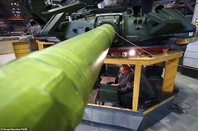 [ẢNH] Bên trong nhà máy sản xuất siêu tăng huyền thoại của Nga - 2