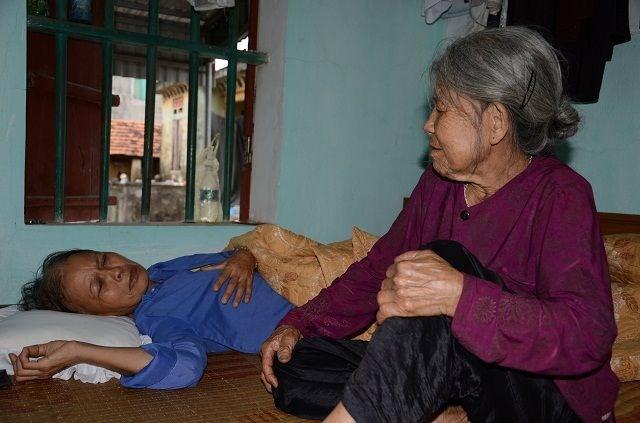 Cụ bà tuổi 90 'thèm' một bữa cơm có thịt trước khi nhắm mắt, nghe mà nhói lòng! - 4