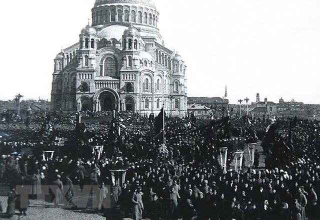 [ẢNH] Cách mạng Tháng Mười Nga - mốc mới trong lịch sử của nhân loại - 2