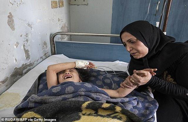[ẢNH] Những đứa trẻ Syria bị trúng bom trong chiến sự dữ dội của Thổ Nhĩ Kỳ - 4