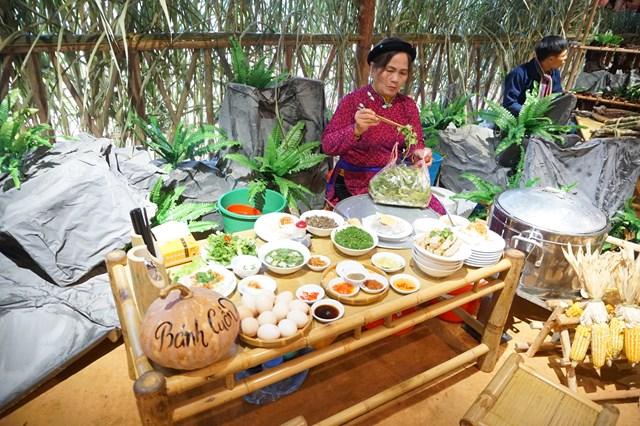 'Sắc hồng cao nguyên đá'- Tôn vinh giá trị văn hóa Hà Giang - 2
