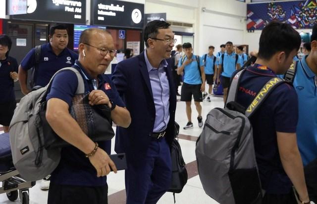 U23 Việt Nam chạm trán U23 Triều Tiên ở sân bay về Bangkok