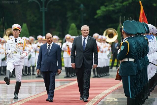 [ẢNH] Thủ tướng Nguyễn Xuân Phúc đón, hội đàm với Thủ tướng Australia - 1