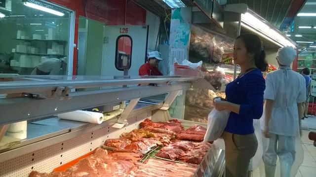 Giá thịt gà, thịt lợn giảm sâu - giá rau tăng: Thị trường thực phẩm biến động