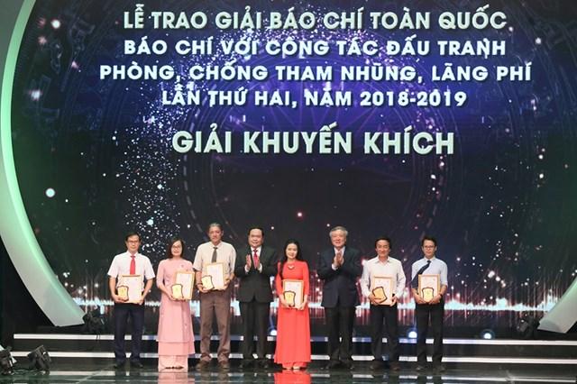 [ẢNH] Lễ trao giải 'Báo chí với công tác đấu tranh phòng, chống tham nhũng, lãng phí' lần thứ hai  - 8