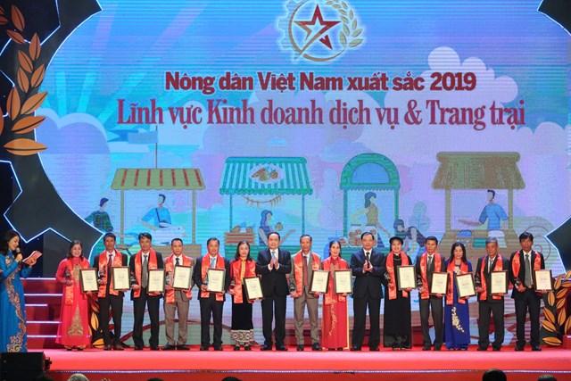 Vinh danh 63 nông dân Việt Nam xuất sắc năm 2019 - 4