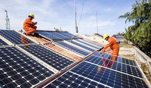 Thu hút đầu tư phát triển điện mặt trời