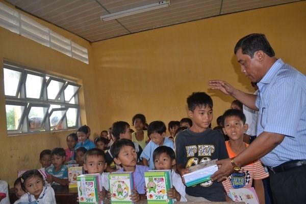 Đầu tư, phát triển giáo dục vùng đồng bào Khmer