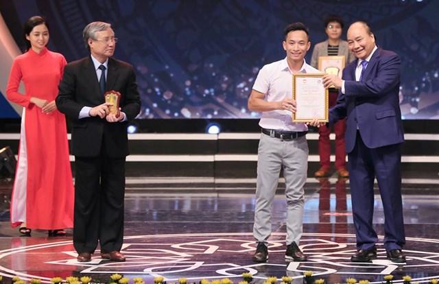 [ẢNH] Lễ trao giải 'Báo chí với công tác đấu tranh phòng, chống tham nhũng, lãng phí' lần thứ hai  - 2