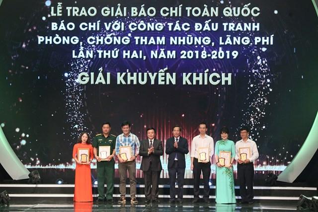 [ẢNH] Lễ trao giải 'Báo chí với công tác đấu tranh phòng, chống tham nhũng, lãng phí' lần thứ hai  - 12