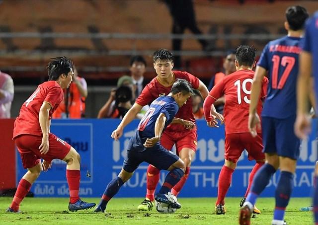 Vòng loại World Cup 2022: Thái Lan 0-0 Việt Nam: Nghẹt thở tới phút cuối