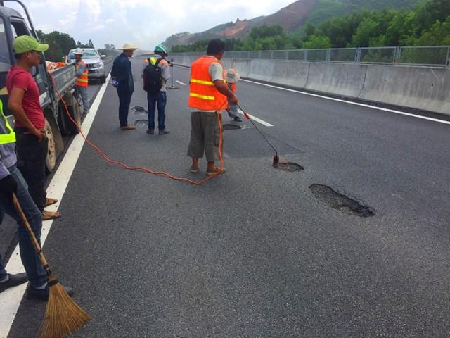 Sai phạm trong Dự án đường cao tốc Đà Nẵng - Quảng Ngãi: Khởi tố thêm 5 bị can - 1