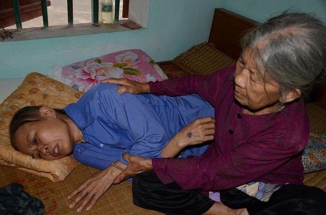 Cụ bà tuổi 90 'thèm' một bữa cơm có thịt trước khi nhắm mắt, nghe mà nhói lòng! - 8