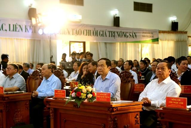 Thủ tướng, Chủ tịch UBTƯ MTTQ Việt Nam cùng đối thoại với nông dân - 2