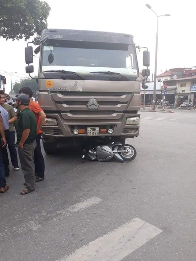 Một người phụ nữ tử vong tại chỗ vì va chạm với xe tải