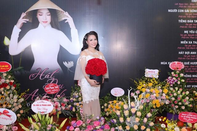 Ca sĩ Đinh Trang ra mắt album đánh dấu 10 năm ca hát chuyên nghiệp