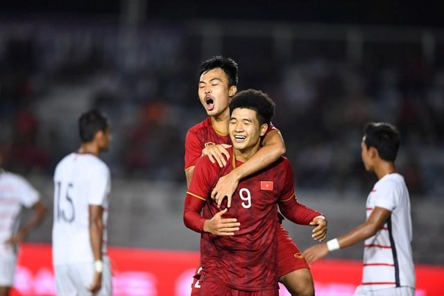 Bán kết bóng đá nam SEA Games 30: Việt Nam – Campuchia 4-0: Chiến thắng đậm đà, ấn tượng - 1