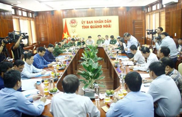 Bộ trưởng Nguyễn Xuân Cường làm việc với tỉnh Quảng Ngãi về ứng phó với bão số 6