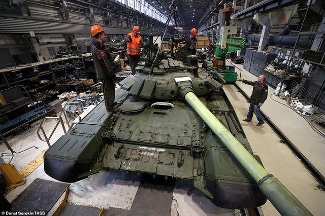 [ẢNH] Bên trong nhà máy sản xuất siêu tăng huyền thoại của Nga - 10