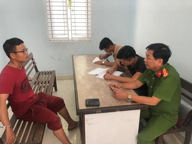 Đà Nẵng: Kẻ cướp tài sản của gái bán dâm, đâm cụ bà lĩnh 22 năm tù
