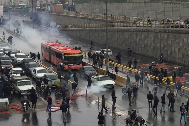 Iran cảnh báo các nước trong khu vực  không kích động biểu tình