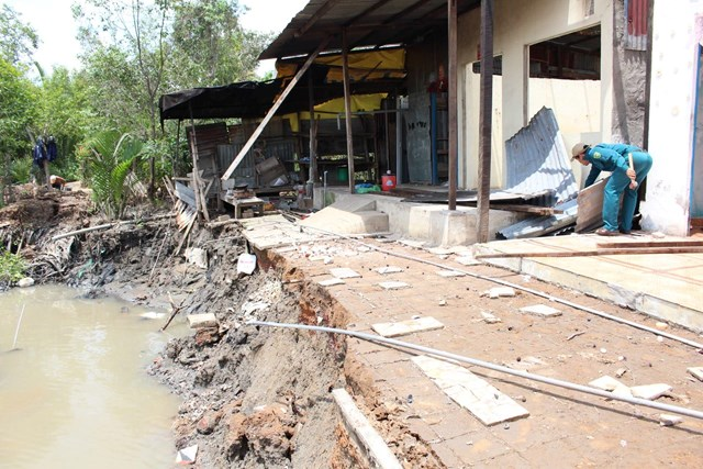 TP Hồ Chí Minh: Chống sạt lở ven sông... gặp khó