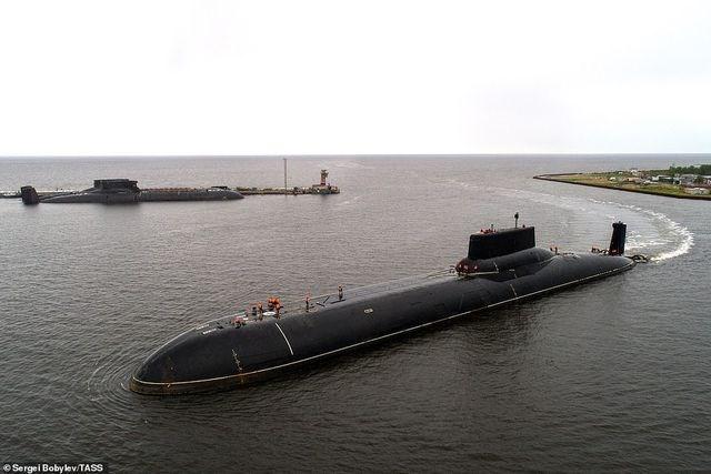 [ẢNH] Cuộc sống nhà binh bên trong tàu ngầm lớn nhất thế giới của Nga