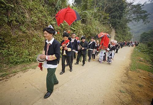 Lào Cai: Quyết tâm bài trừ hủ tục lạc hậu