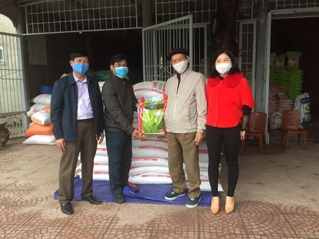Hà Tĩnh: Hai hộ giáo dân ủng hộ 2,6 tấn gạo chống dịch Covid-19