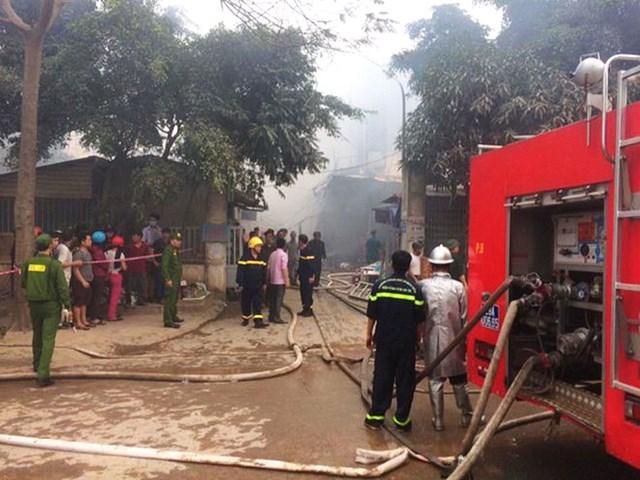 Hà Nội: Đang cháy cực lớn ở chợ Quang, Thanh Liệt - 3