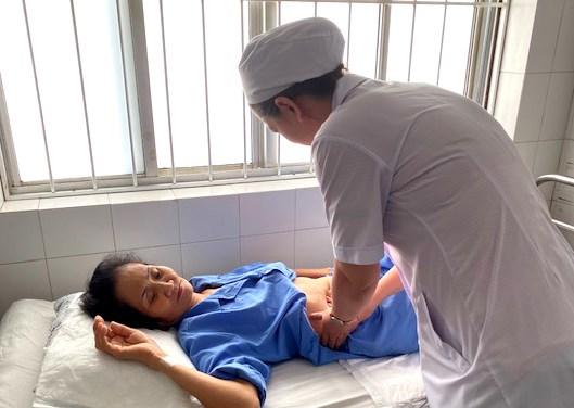 Gần 5 phút kịch tính cứu sống bệnh nhân bị xuất huyết tiêu hoá nguy kịch