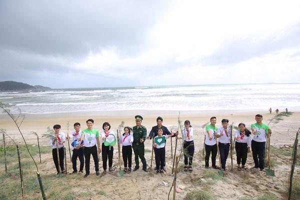 Vinamilk chung tay bảo vệ môi trường tại Bình Định thông qua Quỹ 1 triệu cây xanh cho Việt Nam - 8