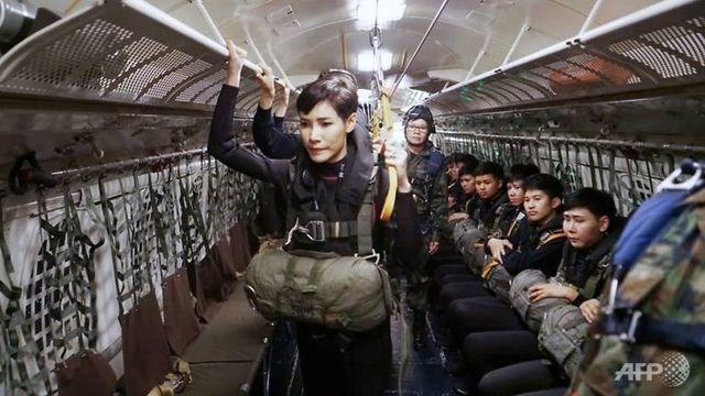 Thái Lan công bố loạt ảnh 'gây sốt' về Hoàng Quý phi - 2