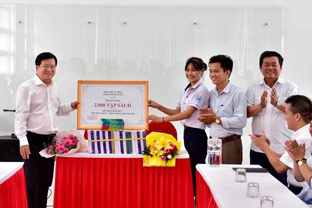 Tranh thủ thời cơ, đưa Ninh Thuận thành trung tâm năng lượng tái tạo - 3