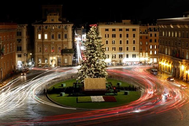 [ẢNH] Chiêm ngưỡng thủ đô các nước lộng lẫy đón Giáng sinh - 10