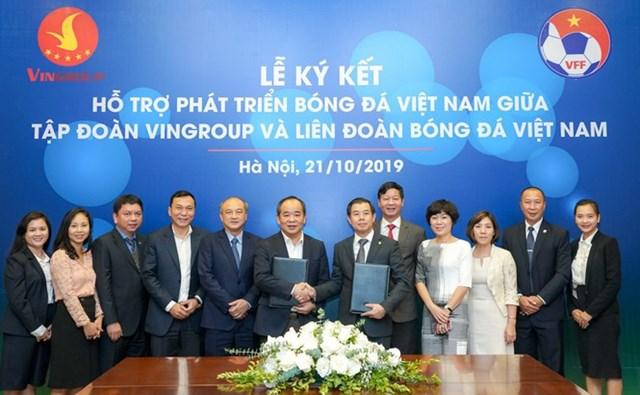 Vingroup & VFF ký thỏa thuận hợp tác chiến lược hỗ trợ phát triển bóng đá Việt Nam - 1