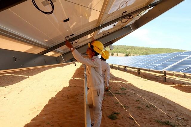 Giải tỏa điểm nghẽn để phát triển năng lượng tái tạo