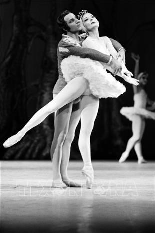 Huyền thoại ballet Alicia Alonso qua đời