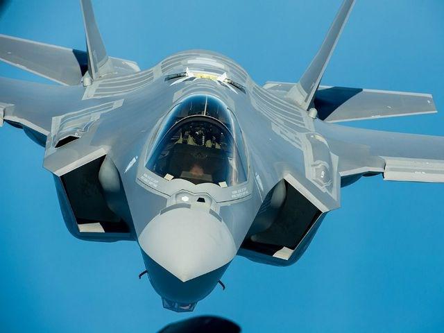 [ẢNH] 10 máy bay quân sự đắt giá nhất thế giới - 7